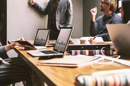 company-finance-meeting